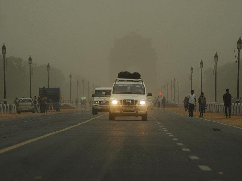 A dust storm accompanied by strong winds and rain hit Delhi and the adjoining NCR region. The change of weather in the national capital has brought in some much needed respite from the extreme heat conditions. (S Bumula/ HT Photo)