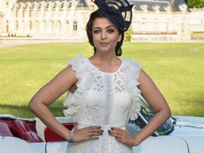 Aishwarya Rai Bachchan dazzled in white at a product launch. (Photo: Twitter)