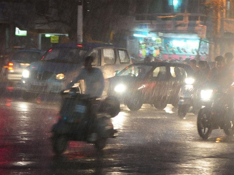 After a sunny day, light showers lashed Bhopal in the evening on Thursday. (HT photo)