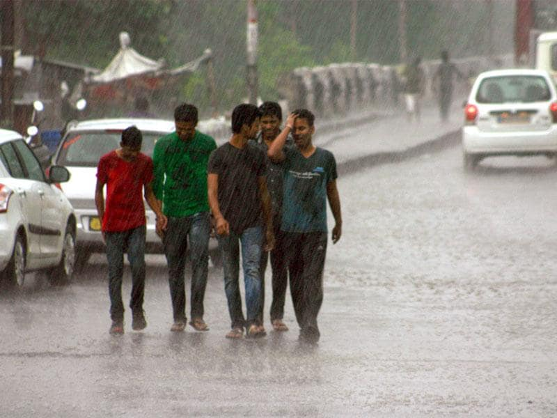 Bhopal witnessed drizzles on Wednesday. Moderate rain was recorded in a few parts of the state. (Bidesh Manna/HT)