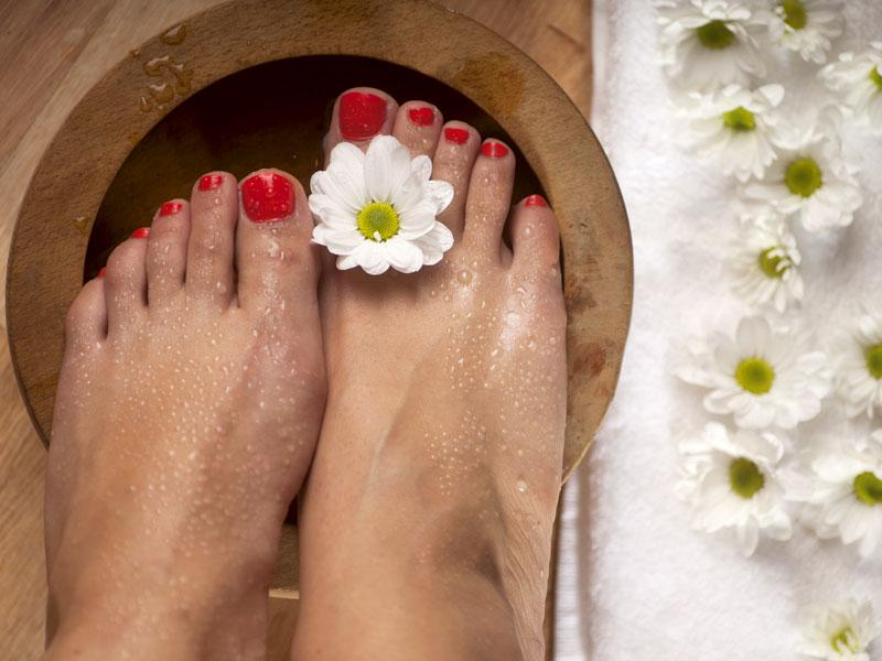 Salt water therapy: Before going to sleep, soak your feet in salt water. It will remove all negativity and give you a peaceful sleep.