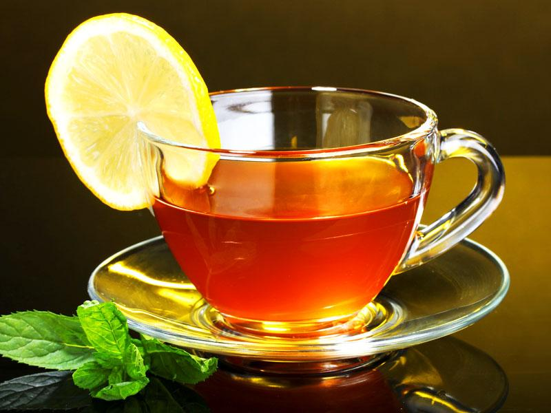 Lemon tea: It is not only healthy, but has healing powers. Its one cup is known to clean toxins and help you stay active all day.
