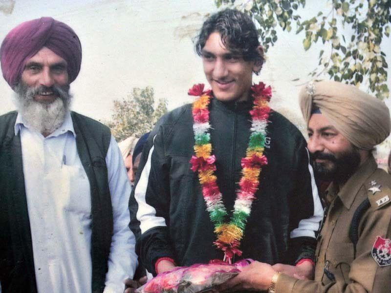 File Photo of basketball player Satnam Singh being honured at a function. HT/Photo