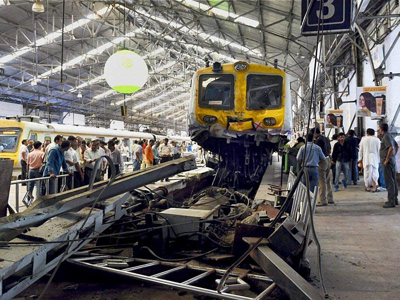 Wrecked engine of the Mumbai local train that got derailed (PTI Photo)