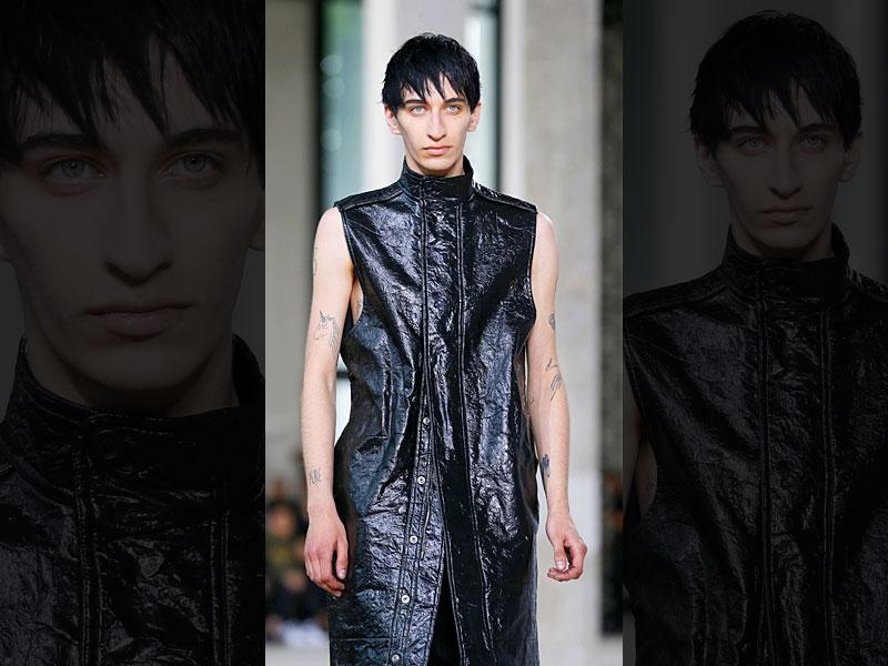 Rick Owens: The designer presented rather flowing silhouettes, with t-shirts, vests and sleeveless blazers that hung to the knees. The colour palette was on the sober side, ranging from black to grey, with a few touches of green for show.