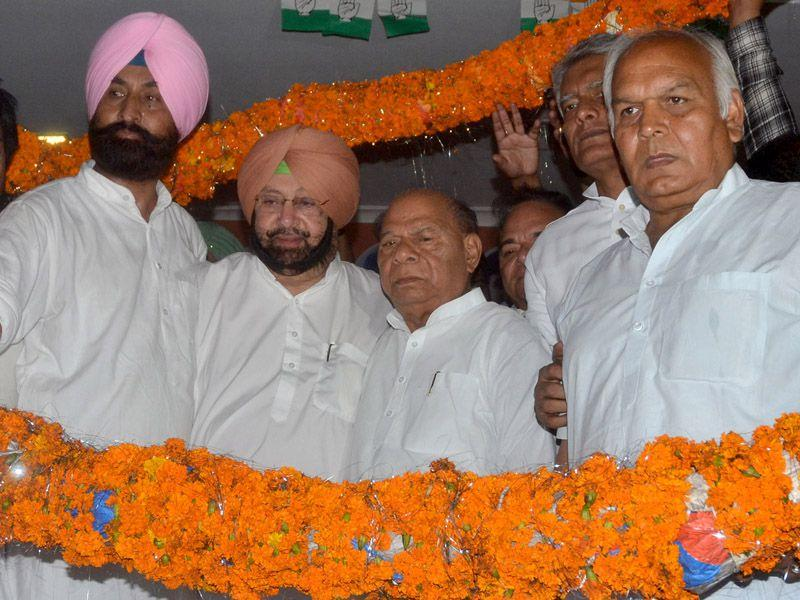Capt Amarinder Singh was backed by the Congress leadership of Doaba region. Pardeep Pandit/HT