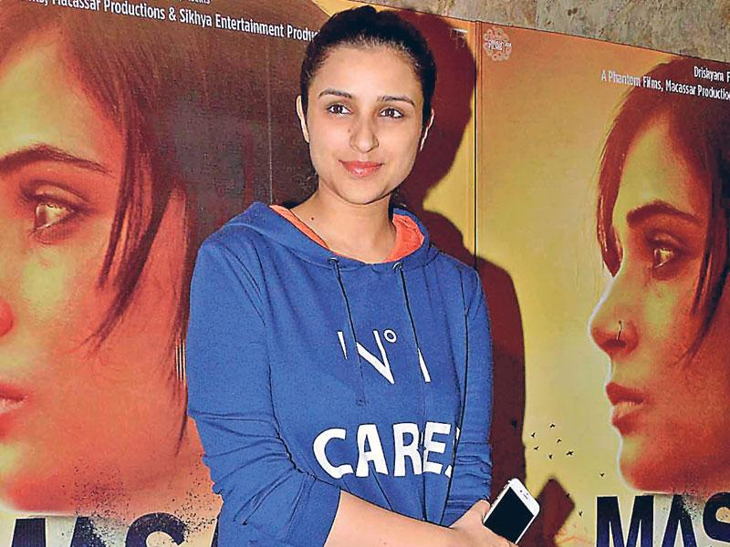 Parineeti Chopra glows without makeup at an event. (Text by Snigdha Ahuja, Photo by Yogen Shah)