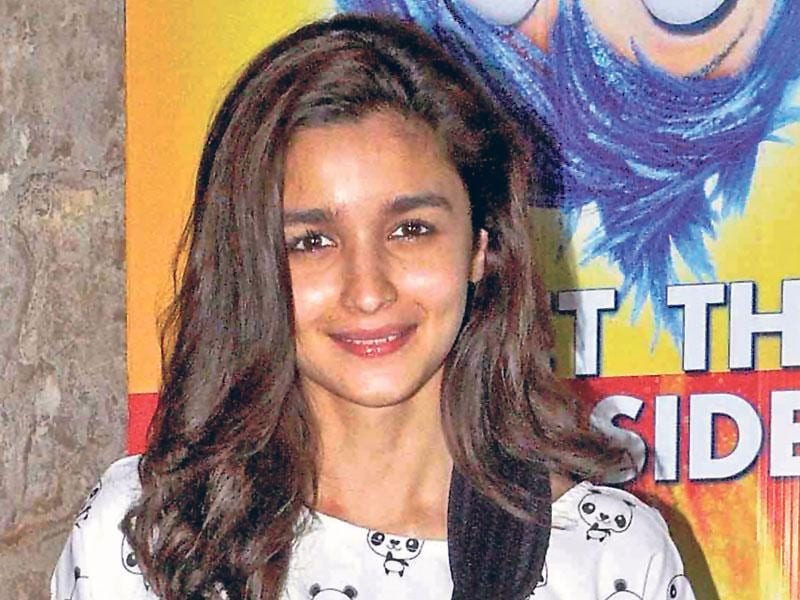 Alia Bhatt's child-like glow is no less without makeup! (Text by Snigdha Ahuja, Photo by Yogen Shah)