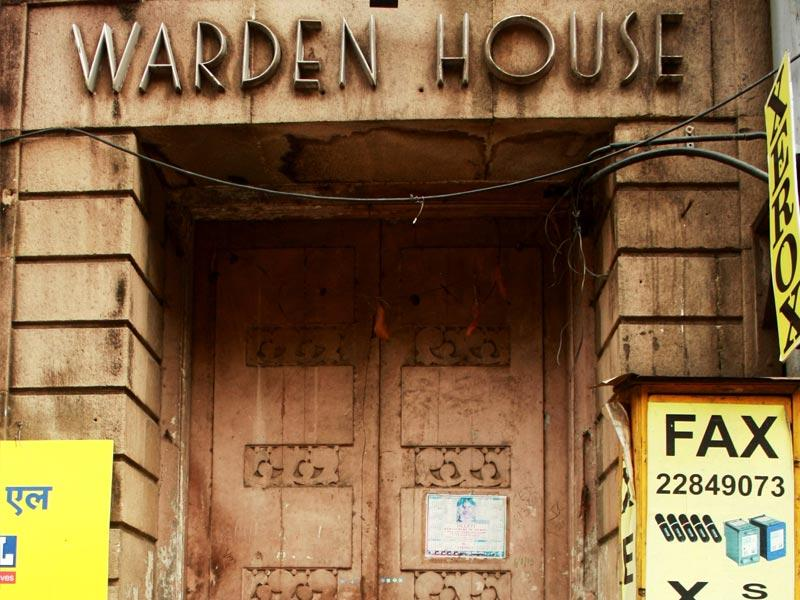 Art Deco lettering on the door of Warden House in south Mumbai. (HT photo/Sarit Ray)