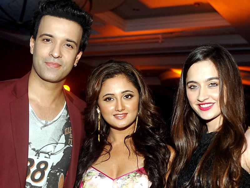 Aamir Ali (L) poses with actresses Reshami Desai (C) and Sanjeeda Sheikh (R) during the launch of music for Mahurat Marathi Film Vithal Vithal. (AFP Photo)