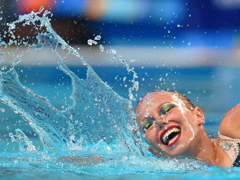 Canada's Jacqueline Simoneau competes in the women's solo technical final during the synchronised swimming competition. (AFP Photo)