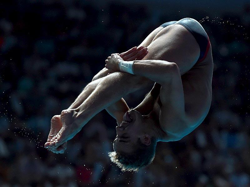 US diver Kristian Ipsen competes in the men's 1m springboard diving final. (AFP Photo)