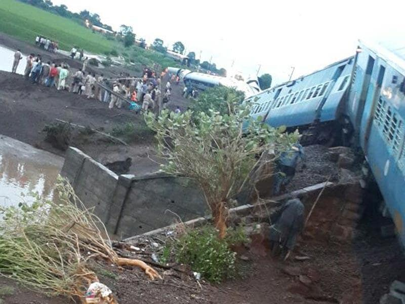More than 30 people died after two trains, Kamayani Express and Janata Express derailed within minutes of each other while crossing a small bridge in Madhya Pradesh late on Tuesday. (HT Photo)