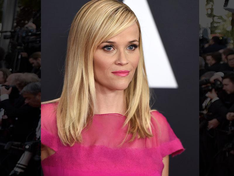 A bold fuchsia lip and heavy dusting of bronzer, coupled with a statement smoky eye, really brought out Reese Witherspoon's wild side during Oscar season this year.