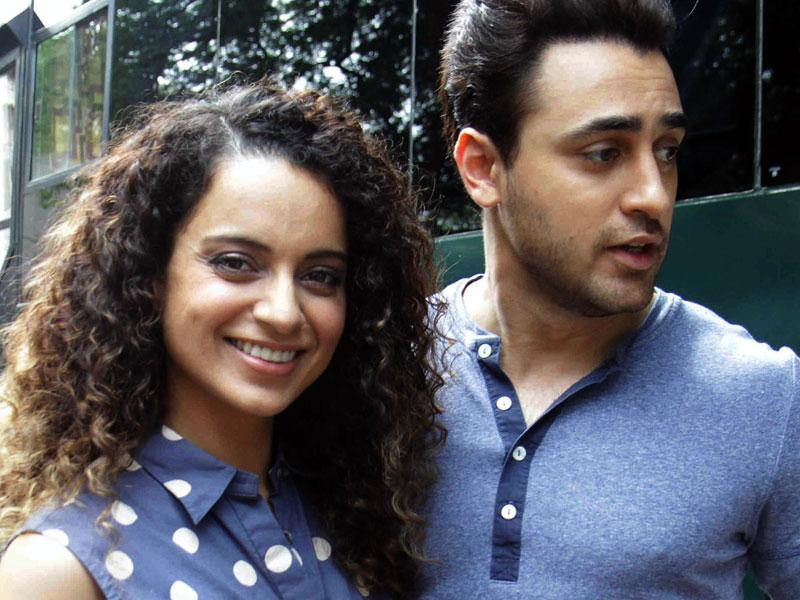 Kangana Ranaut and Imran Khan pose during the promotion of their upcoming Hindi film Katti Batti in Mumbai on August 7, 2015. (AFP Photo)