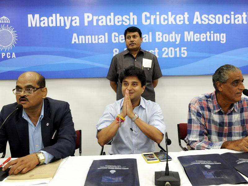 MPCA chairman Jyotiraditya Scindia and other office-bearers at the annual general body meeting of MP Cricket Association in Indore on Saturday. (Shankar Mourya/HT)