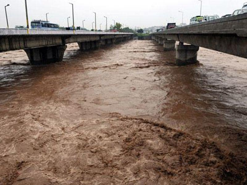 A view of swollen River Tawi in Jammu . HT File Photo