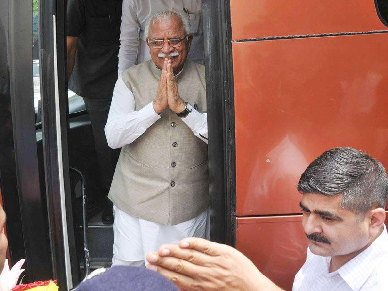 CM said that Haryana Roadways is rendering better transport service to the passengers as compared to other bus services in the country. HT Photo