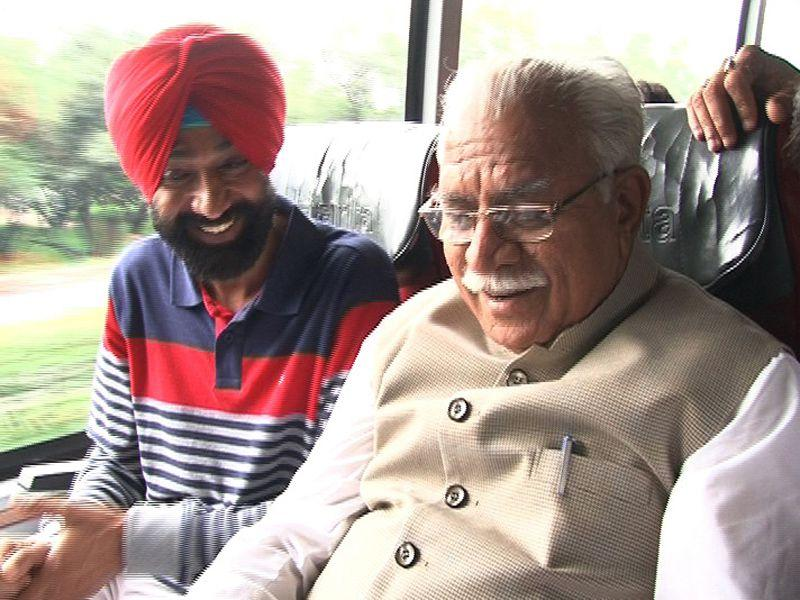Haryana CM Manohar Lal Khattar on Wednesday announced of adding 1,000 buses in its fleet of buses. HT Photo
