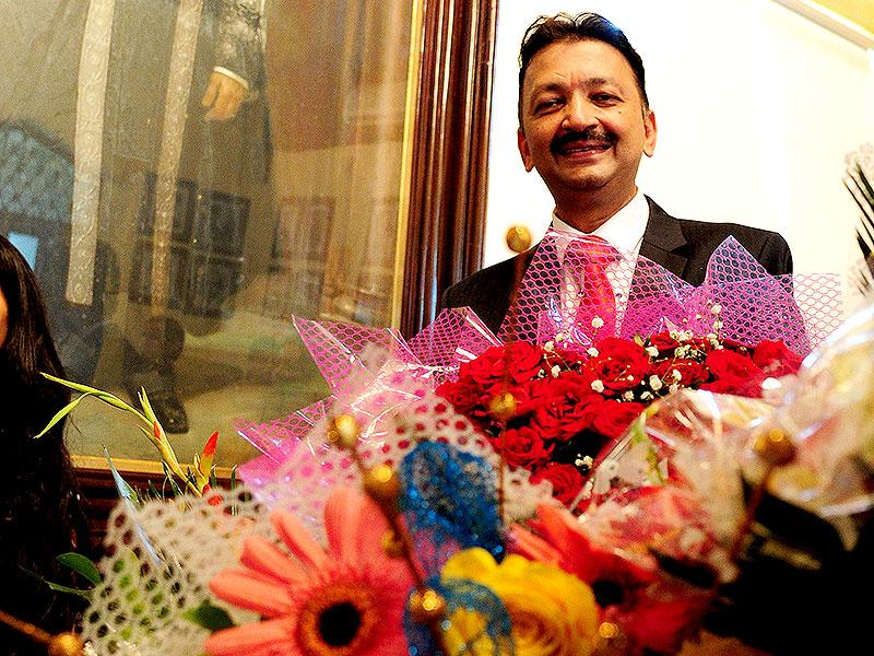Sanjay Deshmukh takes over as the newly-appointed vice-chancellor of Mumbai University. (Anshuman Poyrekar/HT photo)