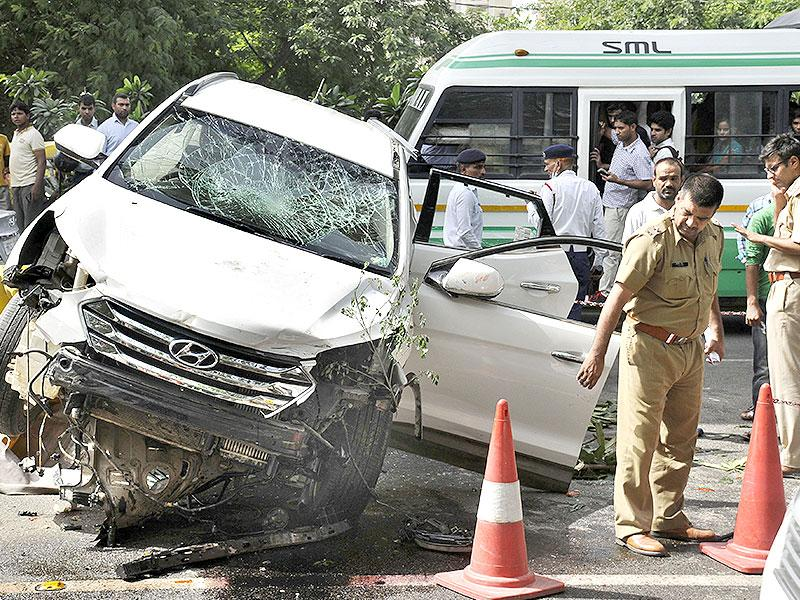 The Hyundai SUV vaulted over a waiting auto and crushed it, killing the driver (Parveen Kumar/ HT Photo)
