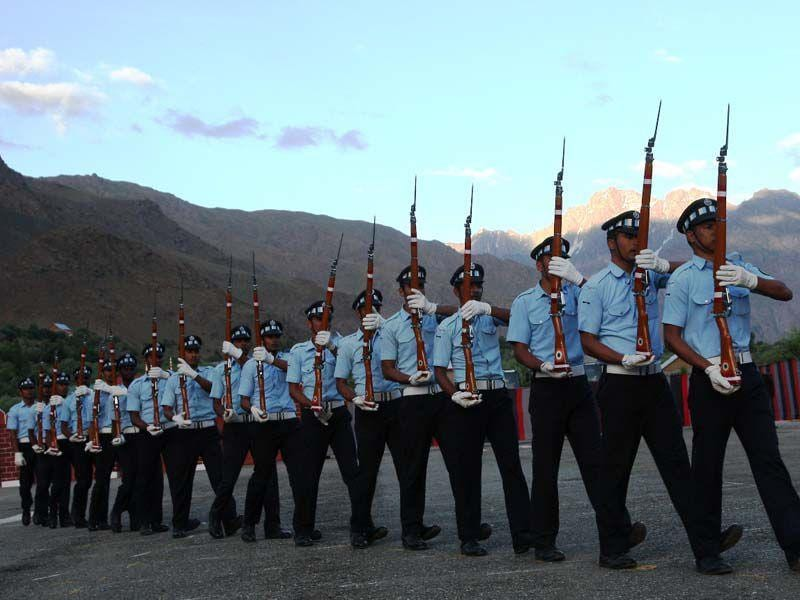 The army on Friday observed 'Kargil Divas' in Ladakh region 's Drass area to commemorate war heroes who laid down their lives in 1999. HT Photo