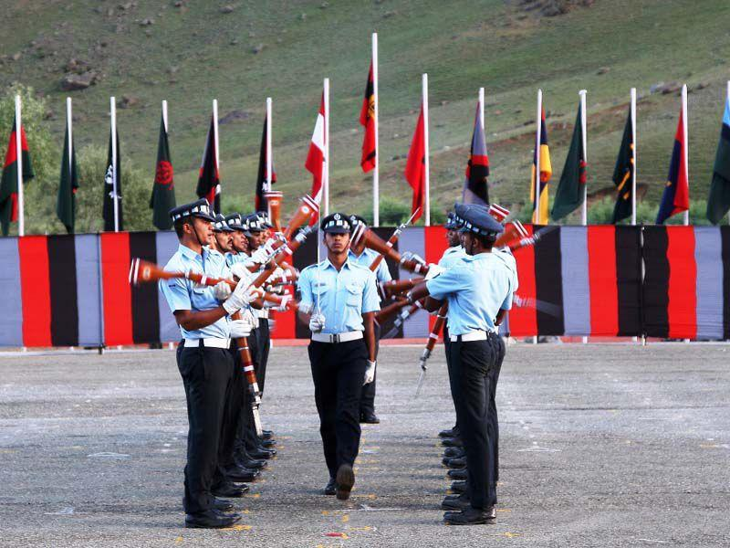 Senior army officials since Thursday held several events to pay tributes to the fallen Kargil heroes and celebrate the victories achieved in one of the toughest terrain of the country. HT Photo