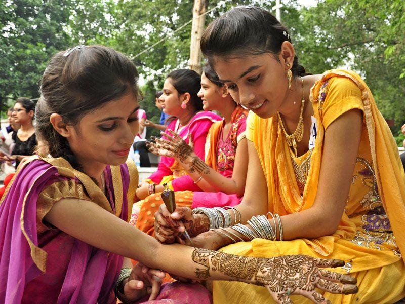 During Teej celebrations, girls also applied henna on their hands. Sikander Singh Chopra/HT