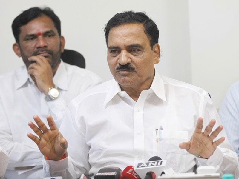 Maharashtra cabinet minister Diwakar Raote interacts with media at Mantralaya, in Mumbai. (Arijit Sen/HT photo)