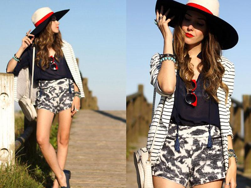 The hat addict in us is dying to buy this street-ish strip-print combo. Top off our favorite look with a smashing boho hat.