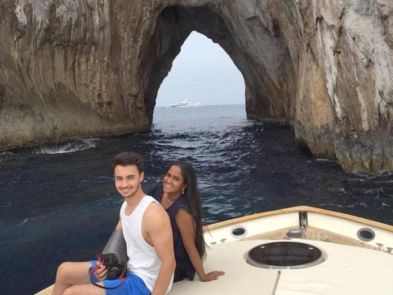 Arpita Khan Sharma and husband Aayush in the 'tunnel of love', Capri. The couple is travelling across Europe and posting images on social media. (Instagram/@arpitakhansharma)