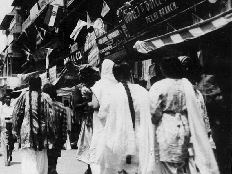 One of the bazars of Delhi decorated with national flag on August 15 1947. (PIB)