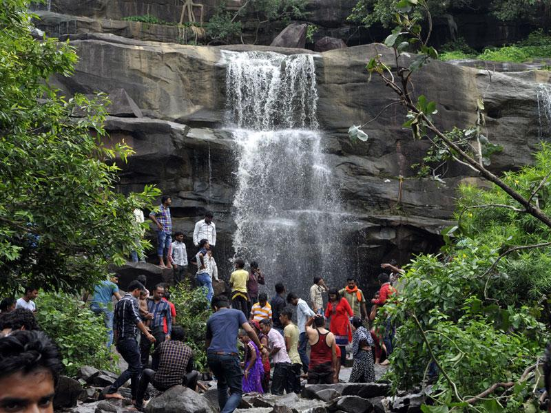 People enjoy day out at Mahadevpani, a popular picnic spot, in Bhopal on Sunday. (Praveen Bajpai/HT photo)