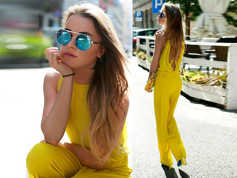 Effortlessly stylish and easy to wear: Make a statement with a a jumpsuit! As long as you keep the look simple, the brighter the colour, the better!