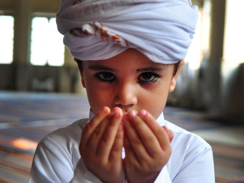 A child praying during the festival of Roja at a masjid in Chandigarh. (Karun Sharma/ HT)