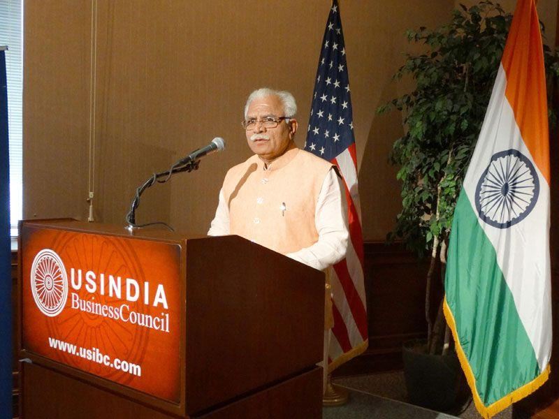 Haryana chief minister Manohar Lal Khattar speaking at an interactive session of US-India Business Council held in Washington on Wednesday. (HT Photo)