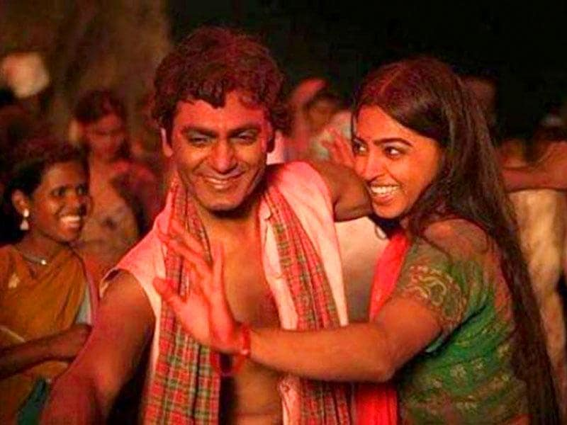 Nawazuddin Siddiqui and Radhika Apte in a still from Manjhi The Mountain Man.