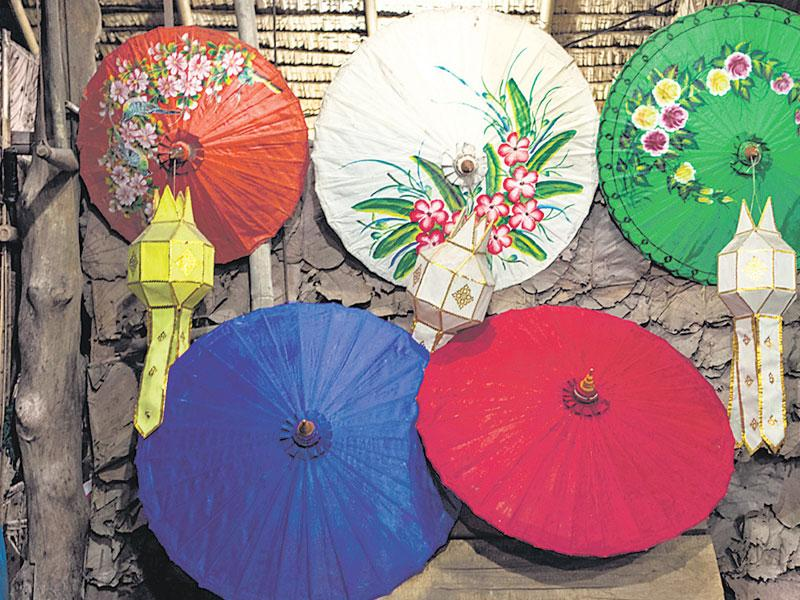 Have vintage, colourful umbrellas with different prints and patterns? Arrange them on your dilapidated wall as shown in the picture, taking help from your mason. You can also install bulbs behind it to add more drama and of course, light to your room. (Photo: ISTOCK)