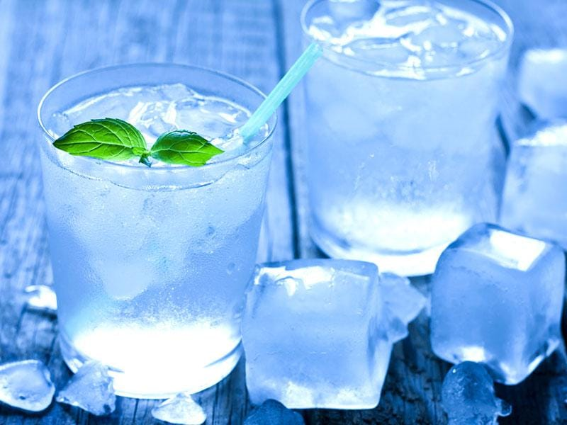 Ice water: It forces your body to burn fat by bringing your body temperature back to normal. 8 glasses a day burns some 70 calories!
