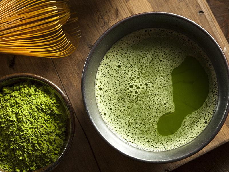 Matcha green tea: It is in powder form and dissolves in water. When you drink it, you ingest the tea leaves and all of their healthful nutrients.
