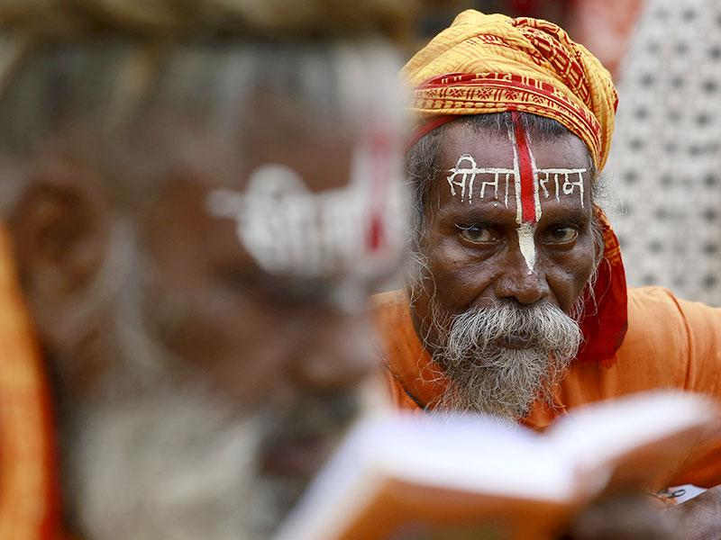 Hundreds of thousands of Hindus take part in the religious gathering at the banks of the Godavari river. (Reuters Photo)