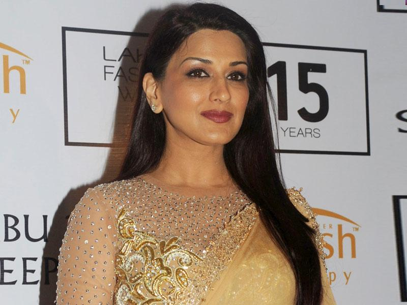 Bollywood actor Sonali Bendre poses for a photograph during Lakme Fashion Week (LFW) Winter/Festive 2015 in Mumbai.