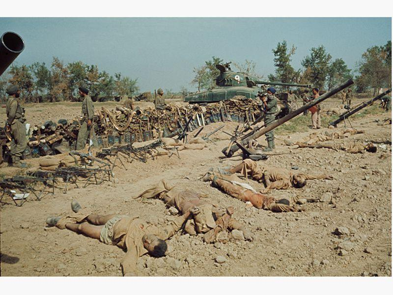 Bodies of soldiers during the conflict between India and Pakistan in 1965.