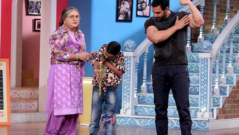 When John Abraham flaunted his bod on Comedy Nights.