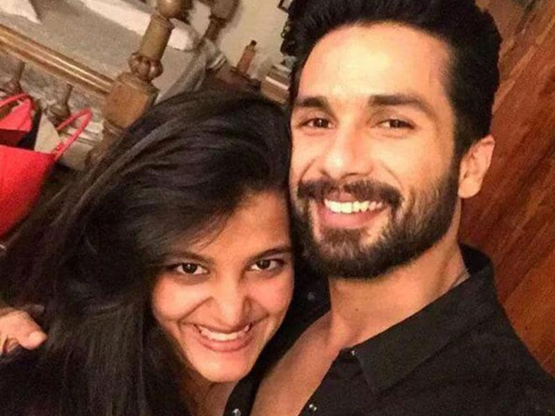 Shahid Kapoor strikes a pose with his sister on Rakhi. (Photo: Instagram/ShahidKapoor)