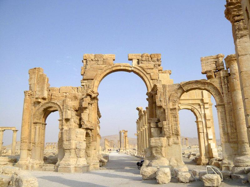 A view shows the Monumental Arch in the historical city of Palmyra, Syria. The hardline IS group has destroyed part of an ancient temple in Syria's Palmyra city, a group monitoring the conflict said. (Reuters/Sandra Auger)