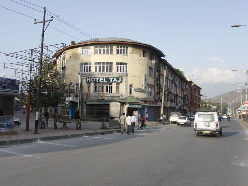 Fresh photo of the same area in Budshah Chowk, Srinagar, a year after the floods. (Abid Bhat/HT)