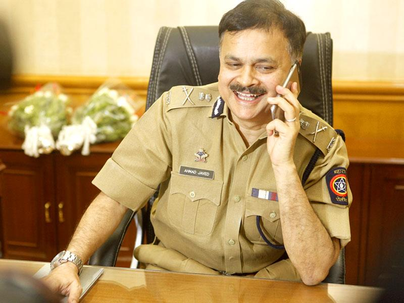 Ahmed Javed, Mumbai's newly-appointed commissioner of police, addressed a press conference after taking charge, in Mumbai.(Arijit Sen/HT photo)