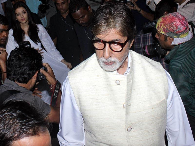 Amitabh Bachchan at the prayer meeting for the late Aadesh Shrivastava. (IANS)