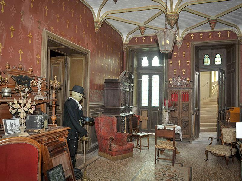 Castle owners, Véronique and her husband Francois-Joseph Geffroy, observed since the acquisition in 2009 unexplained paranormal phenomena. (AFP Photo)
